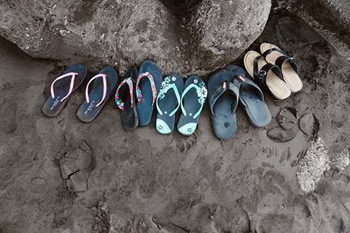 how to choose women sandals